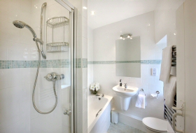 Pepperclose Cottage Bathroom, Bamburgh, Northumberland